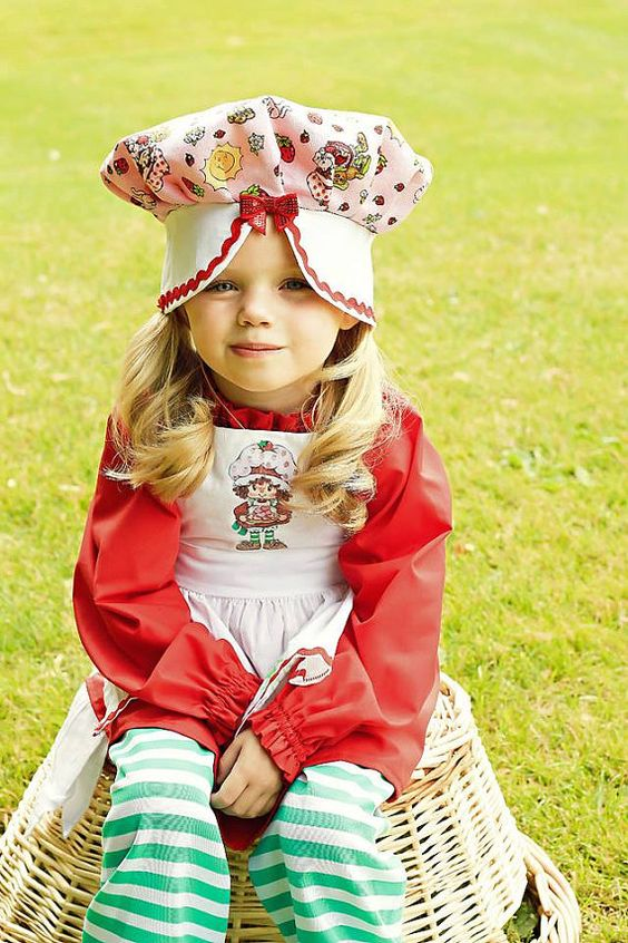 Classic Strawberry Costume Toddler Girls Red Green Pinafore Hat 4 pieces