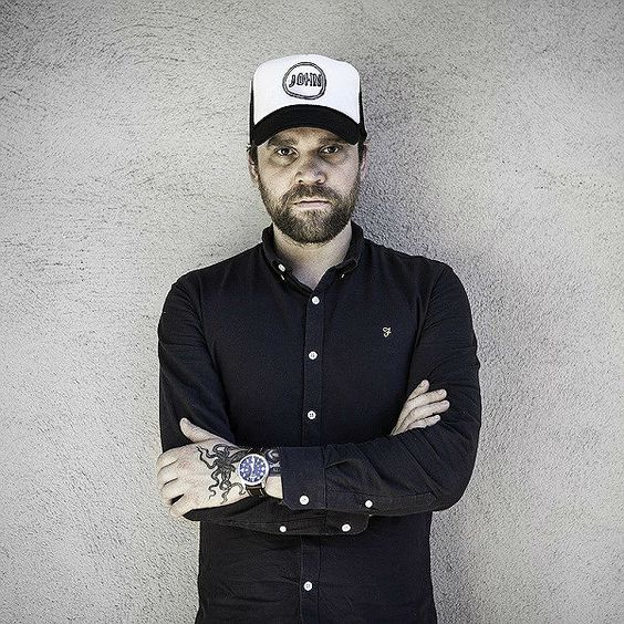 OWL JOHN: 'I needed to do this, for myself and the band'. Scott Hutchison on anxiety, Los Angeles, Frightened Rabbit and Frank Turner... Click the image for more