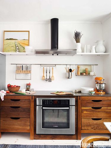 Hanging elements make for easy organization // Kitchens