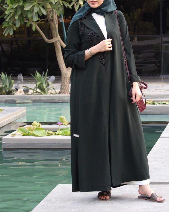 الريم On Instagram من عبايات جوزڤيلا Bougainvillea Design هالكولكشن عبي ملونة للبنات اللي يحبون هـالستايل Abayas Fashion Fashion Weeding Dress