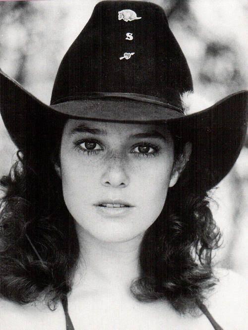DEBRA WINGER, 25   URBAN COWBOY (1980)