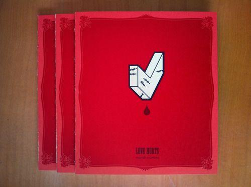 Auto-explicativo. Quadrinhos e design num pacotinho cheio de amor sangrando, por Murilo Martins.  Na heart butter: ~https://www.facebook.com/heartedbutter~