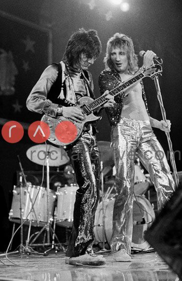 ~The Faces Ronnie Wood and Rod Stewart Sept 1972, Wembley Arena ~* On Stage.