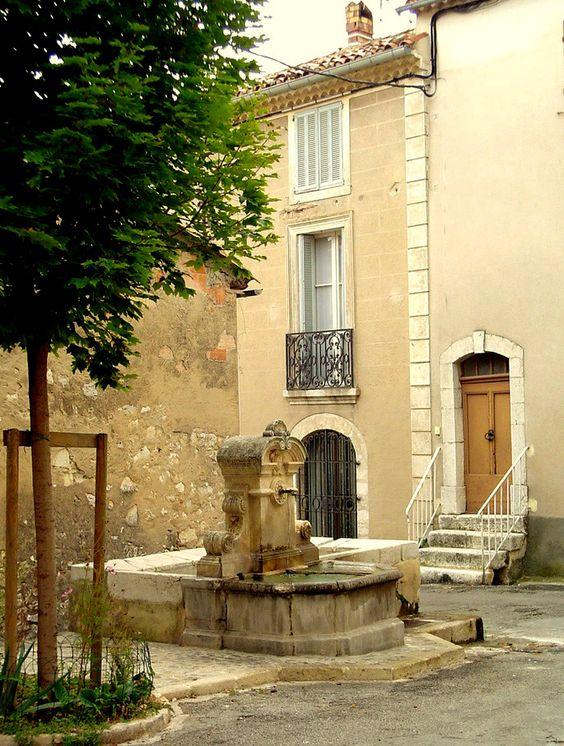 fontaine de quinson