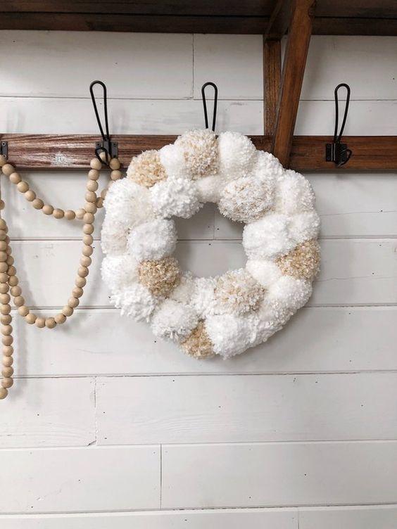 Pom pom wreath,wreath,pom wreath,holiday wreath