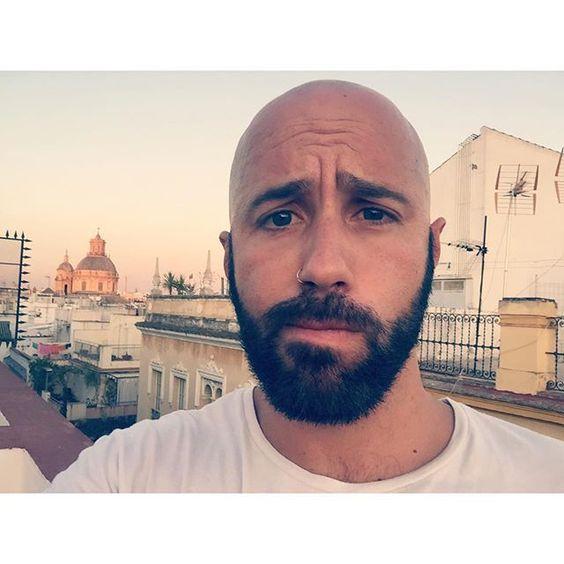 """Nuevo aplique Jajajaja #selfie #azotea #atico #atardecer #sevilla #centro #calleferia #alameda #buenaluz #ciudad #BK #barba #beard #beardmen #piercing #nariz BK❤️"" by @jotak on Instagram http://ift.tt/1DwwB27"