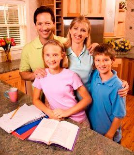 En estos exámenes finales no olvides establecer un horario que incluya las horas de estudio y de ocio de tus hijos para que estén relajados y listos para enorgullecerte.