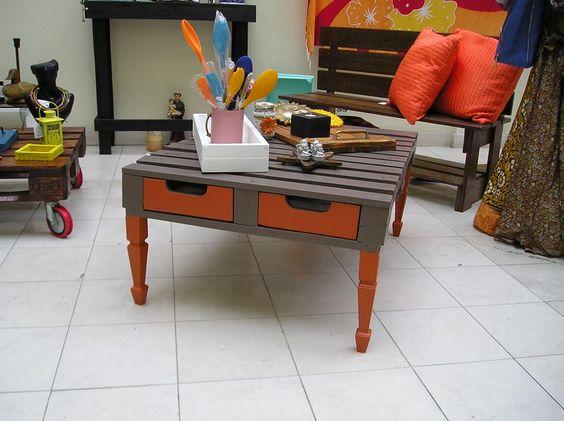 Mesa de sala laranja