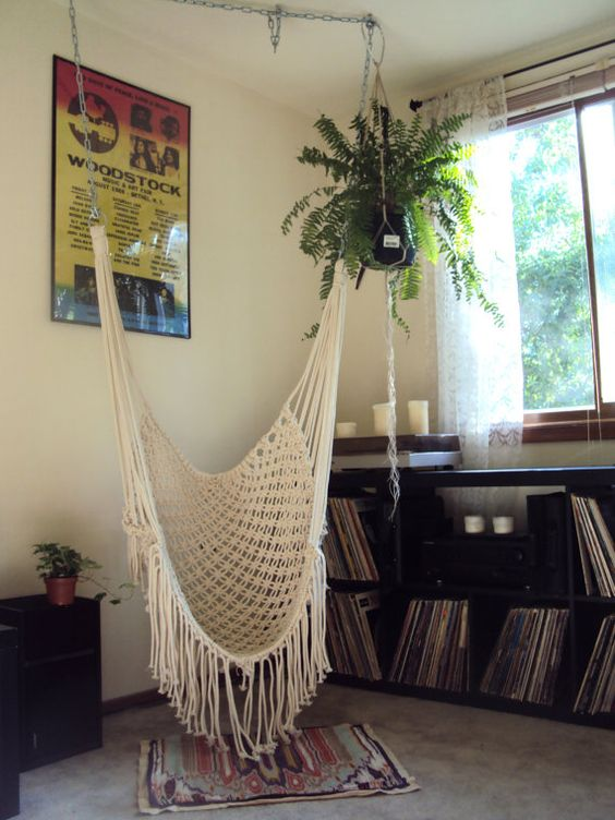 Macrame chair i need a hanging chair for my bedroom for Bedroom hammock chair