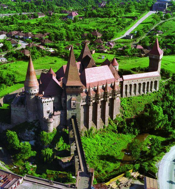 Hunyad Castle, Romania (by iulian.ignatescu)