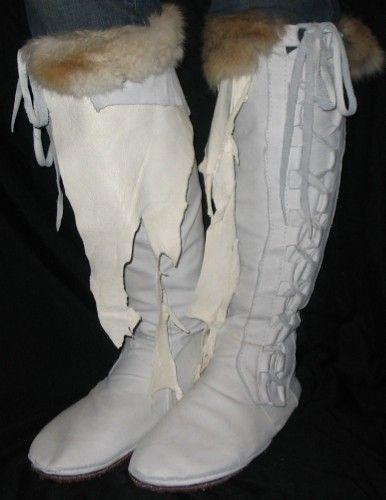Artisan benutzerdefinierte Lederstiefel Knie hoch COMICON Mokassins Creme Renaissance mittelalterliche LARP Fell handgemacht von Debbie Leather