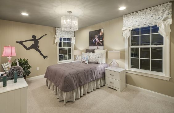 Traditional Kids Bedroom with Chandelier, Carpet, High ceiling