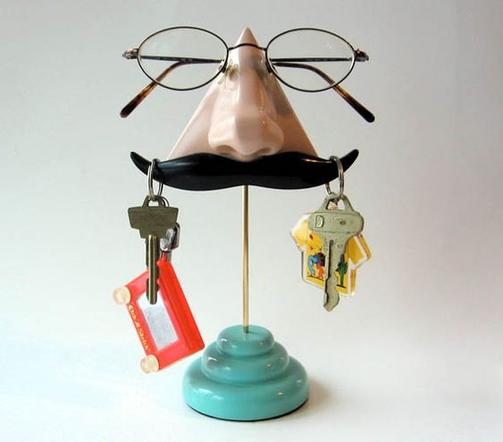 Glasses/key stand!