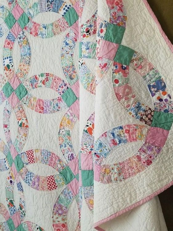 So Romantic C1930 Vintage Cottage Pink Green Wedding Ring Quilt 85x73 Quilting Vintage Quilting Wedding Ring Quilt Quilts Book Quilt