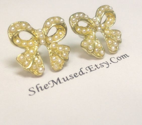 Pearly Bow Plugs FREE SHIPPING by SheMused on Etsy, $24.00