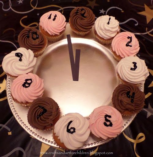 Clock Cupcakes for New Year's Party