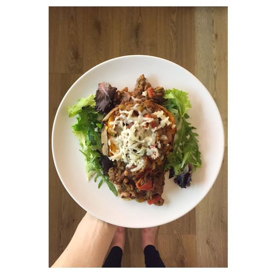 Need a new dinner idea or something as a post workout meal - this is a good one Sweet potato jacket potato with home made lean beef chilli con carne topped with some reduced fat protein cheese  I try and incorporate a little bit of red meat into my diet as it does have health benefits  by beckysfitness_