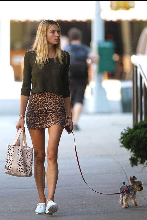 Jessica Hart. sweater. leopard mini skirt. white bag. cut little dog. #fashion #street style