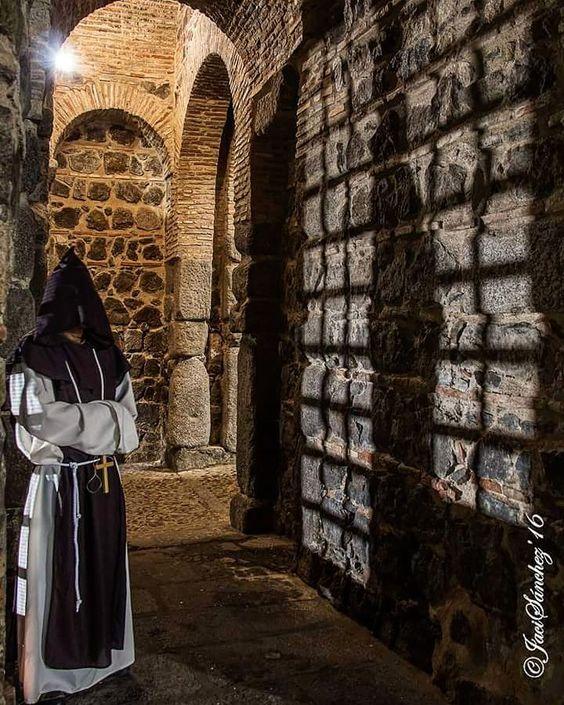 El #Bolomonje en la Puerta de Alfonso VI. #Toledo  #igerstoledo  #estaes_toledo  #fotoledo by fotoledo
