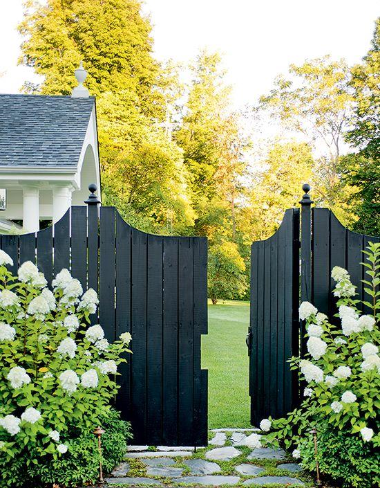 Garden tour: Elegant backyard retreat - Canadian Gardening
