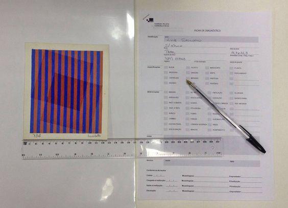 Começamos a fazer os laudos dos documentos que vão para a próxima exposição de Luiz Sacilotto aqui no Instituto De Arte Contemporânea.