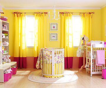 Quarto infantil iluminado de amarelo! bonito...