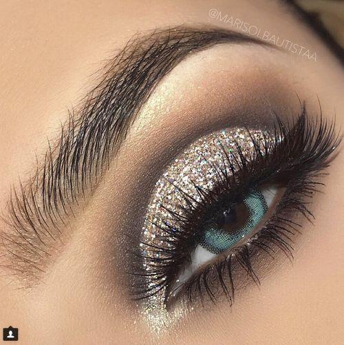 مكياج عيون In 2020 Silver Eye Makeup Silver Glitter Eye Makeup Glasses Makeup