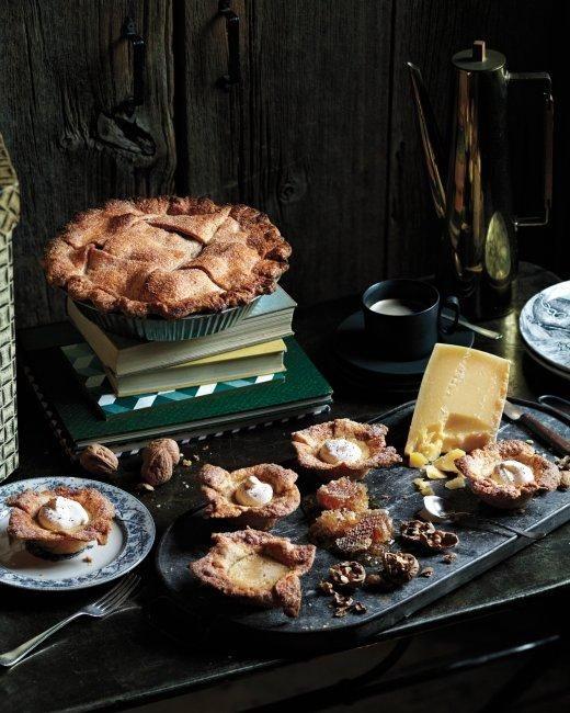 Spiced Custard Mini #Pies Recipe #dejeuner