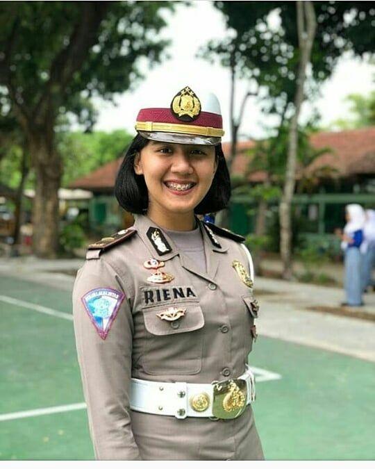 Polisi Indonesia Op Instagram Polisicantik Infokowatpolwan Polwancantik Kowatcantik Polwan Kowal Wara Prajurit Wanita Pejuang Wanita Gadis Cantik Asia
