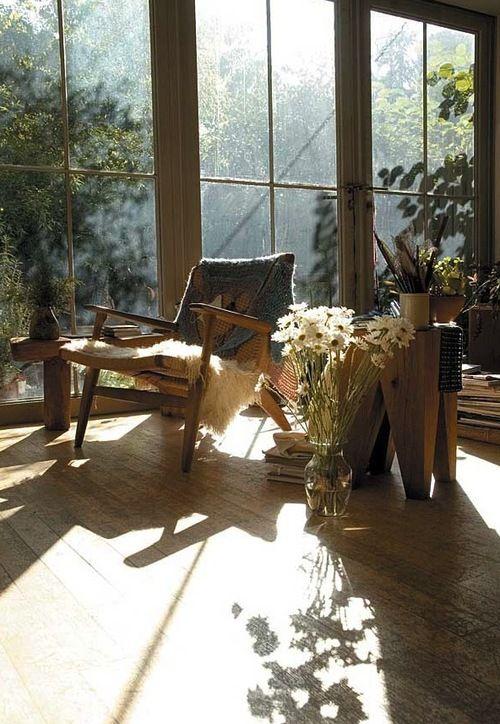 Hvilestol. Gulvvinduer. Planter. Gulvvase. Boudoir Mode - drawingdiary: Mark Borthwick's house