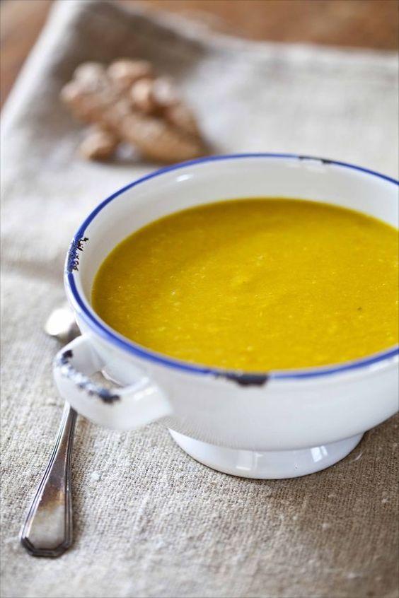 Soupe aux 7 légumes et au curcuma