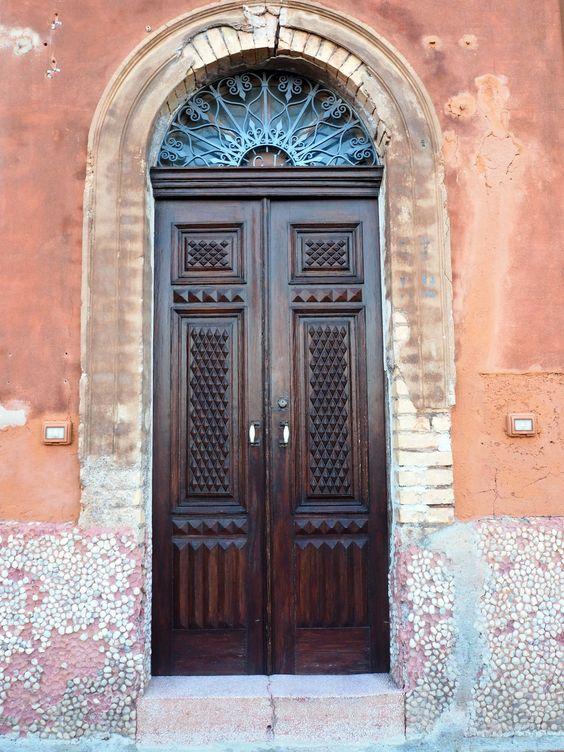 Sizilianische Raffinesse - Haustür auf den Liparischen Inseln.
