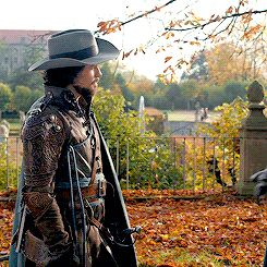 The Musketeers series 2x10: Trial and Punishment. Aramis is leaving? Noooo!