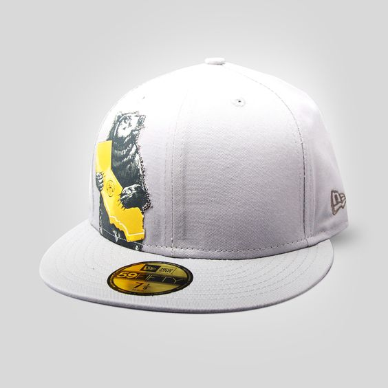 Upper Playground - Cali Bear New Era Fitted Cap by Munk One