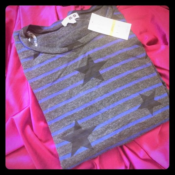 Design R+D Tokyo Gray Stars and Stripes Pullover This sweatshirt is so soft and comfy!                    Design R+D Charcoal Combo New with tags Pullover Top Long Sleeves Rayon/Polyester/Spandex Jersey Fabric Bundle for discounts! Thank you for shopping my closet! Design R+D for Macy's Tops Sweatshirts & Hoodies