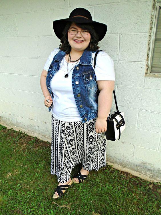 Unique Geek: Plus Size OOTD: Wildest Dreams #plussizeoutfit #plussize #plussizeblogger #plussizefashion #aztec #maxiskirt #floppyhat #sandals #plussizeootd #springoutfit: