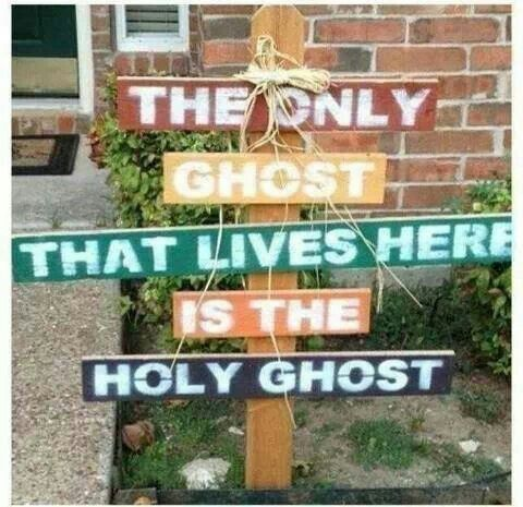 "Now I could live with THIS Halloween decoration...or as Leece calls it ""Satanween"" lol!:"