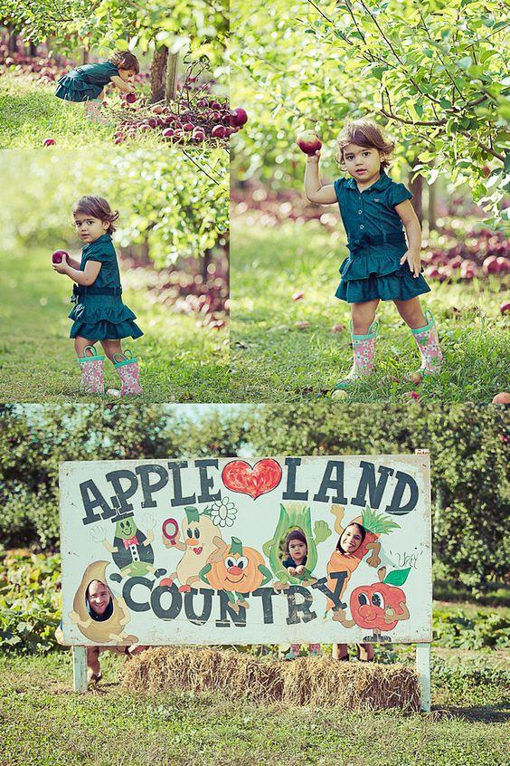 Fall Family Shoot | London, Ontario | Apple Land | Roman Hidalgo Photography #pumpkins