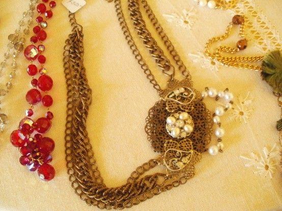 Cinturon metal y perlas Collares en cristales