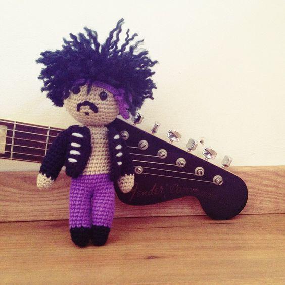 Amigurumi disponible de Jimi Hendrix! Interesados enviarme un mensaje  También acepto pedidos!