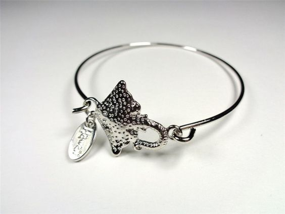 BEACH FASHION RHODIUM NAUTICAL SPOTTED MANTA STING RAY SEA LIFE BANGLE BRACELET