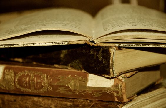 Livros clássicos e atemporais.