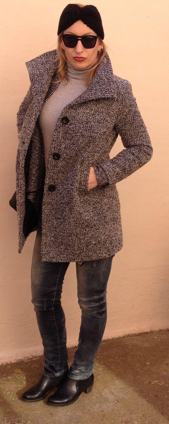 Turbante y abrigo jaspeado. www.nitantonitancaro.com