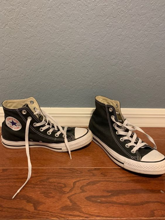 Used But Great Condition Size 8 Women S Black High Top Converse Black High Tops Converse