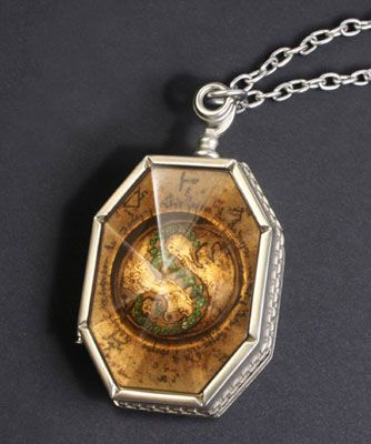Salazar Slytherin's Locket | HP Tattoo with Twinnie ...