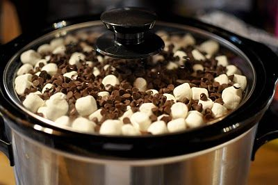 Rocky road crock pot cake: Crockpot Food, Cooker Recipe, Crock Pot, Chocolate Cake, Crockpot Cake, Sweet Tooth, Slow Cooker, Crockpot Recipe