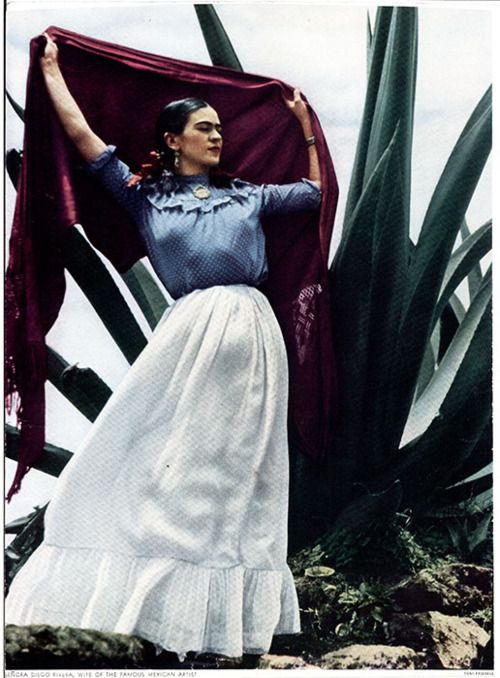 Frida makes art