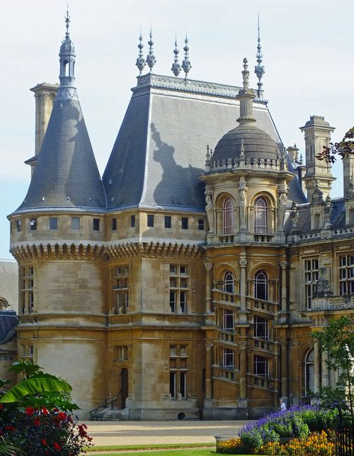 Waddesdon Manor, country house in the village of Waddesdon, in Buckinghamshire, England. This astonishing Renaissance-style château was designed by French architect Destailleur in 1874 for Baron Ferdinand de Rothschild.  (by Andy Latt)
