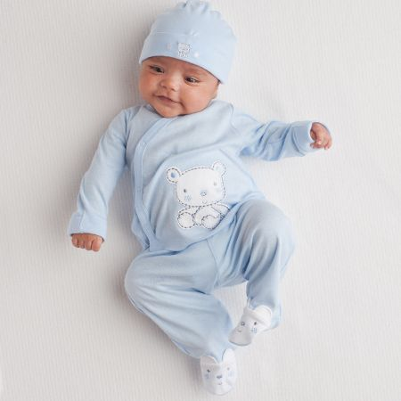 This Is The Perfect Outfit For Bringing Baby Home From The