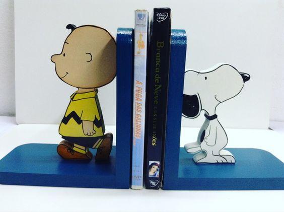 Aparador de livros Snoopy